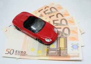 car on bank notes