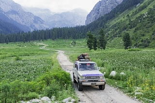 car hire Pakistan