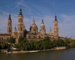 Find great car hire deals in Zaragoza airport!